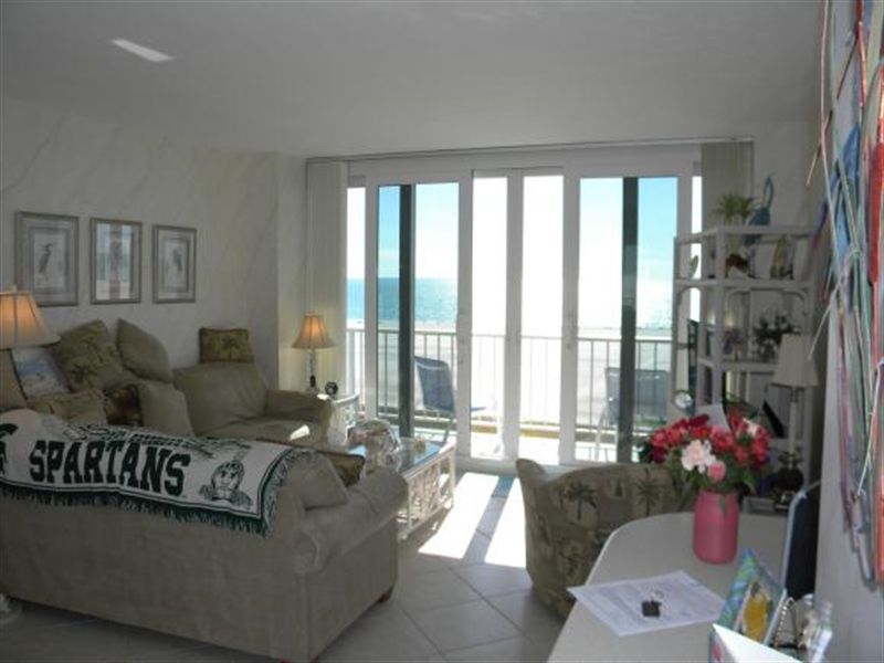 Real Estate Photography - 140, Seaview CT 703 S, MARCO ISLAND, FL, 34145 - Location 7