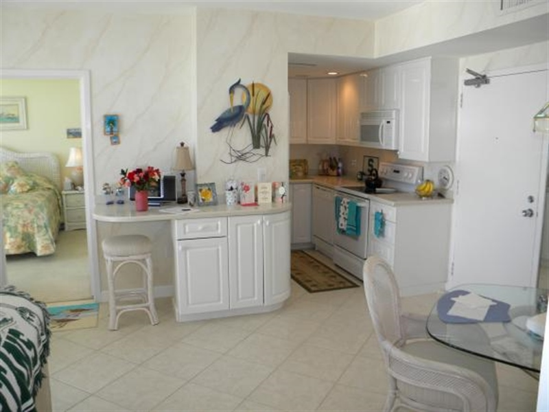 Real Estate Photography - 140, Seaview CT 703 S, MARCO ISLAND, FL, 34145 - Location 9