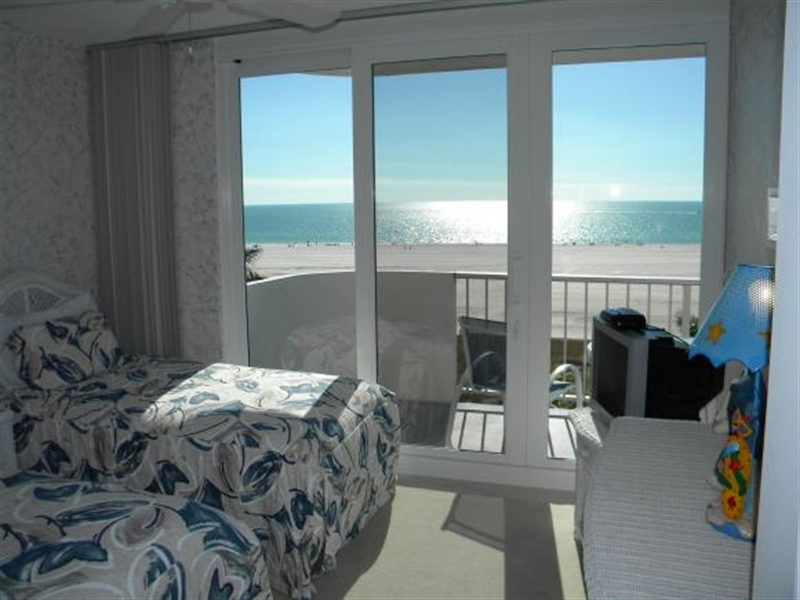 Real Estate Photography - 140, Seaview CT 703 S, MARCO ISLAND, FL, 34145 - Location 13