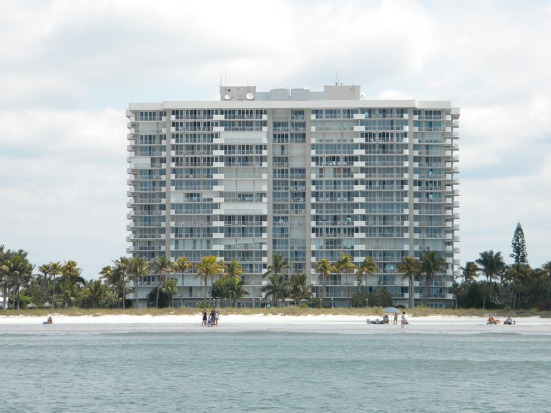 Real Estate Photography - 140, Seaview CT 703 S, MARCO ISLAND, FL, 34145 -