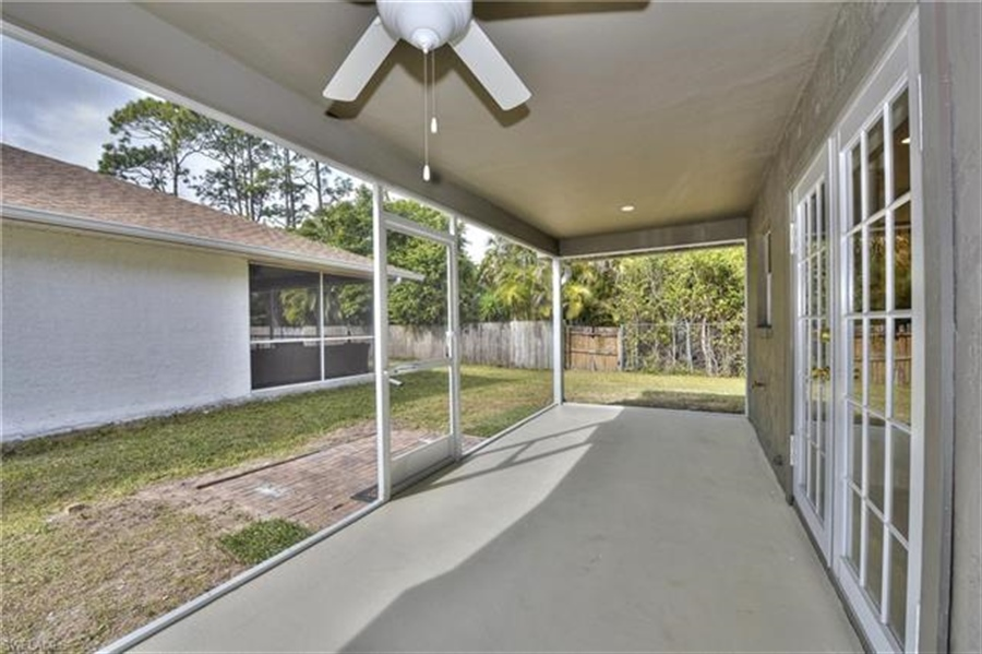Real Estate Photography - 6015 Hollow Dr, # 6015, Naples, FL, 34112 - Location 15