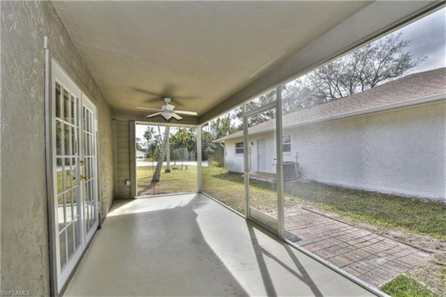 Real Estate Photography - 6015 Hollow Dr, # 6015, Naples, FL, 34112 - Location 24