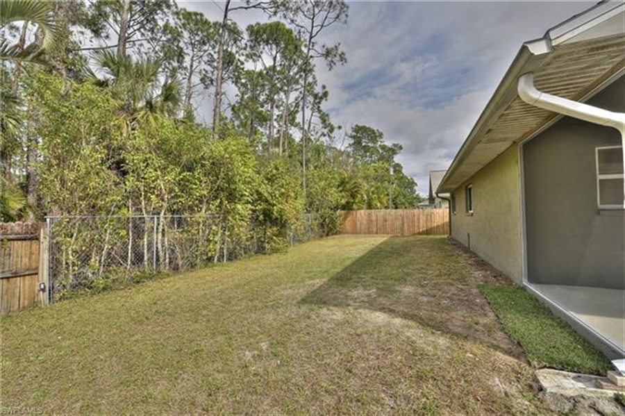 Real Estate Photography - 6015 Hollow Dr, # 6015, Naples, FL, 34112 - Location 26