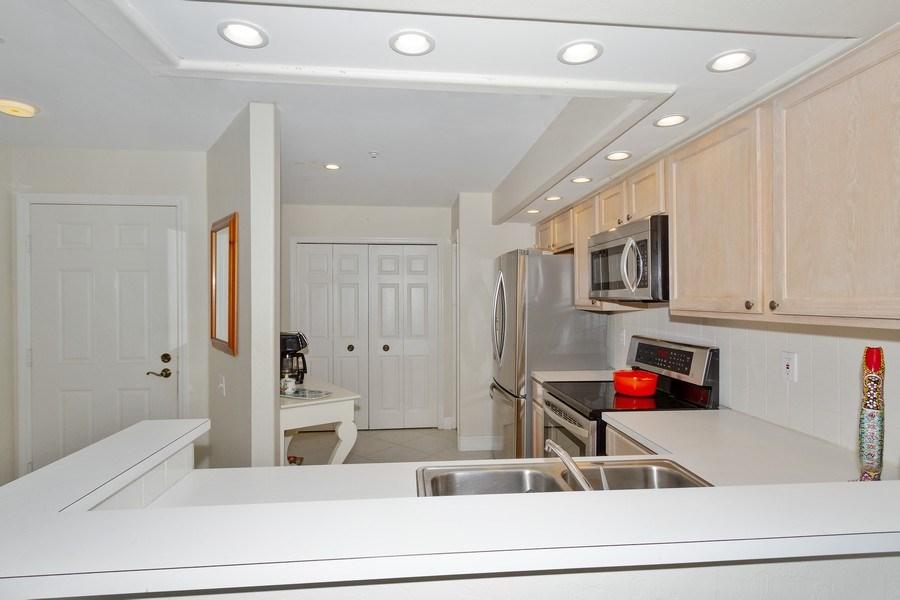 Real Estate Photography - 13060 Amberley Ct, Unit 804, Bonita Springs, FL, 34135 - Kitchen