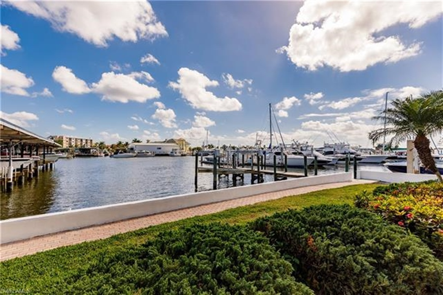 Real Estate Photography - 1100 8th AVE S 203A 1100, NAPLES, FL, 34102 -