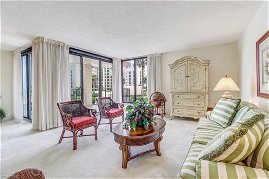 Real Estate Photography - 3115 Gulf Shore BLVD N 209S 3115, NAPLES, FL, 34103 - Location 12