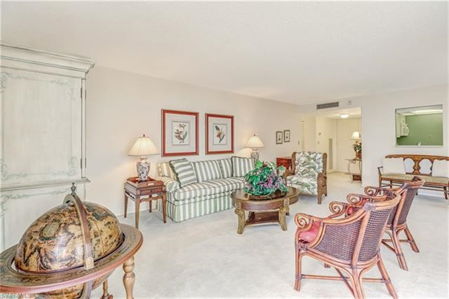 Real Estate Photography - 3115 Gulf Shore BLVD N 209S 3115, NAPLES, FL, 34103 - Location 15