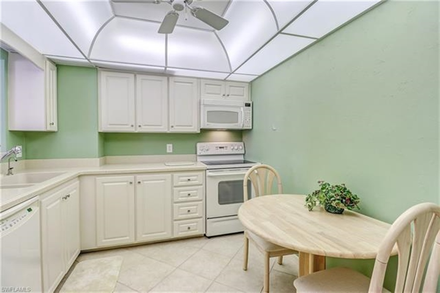 Real Estate Photography - 3115 Gulf Shore BLVD N 209S 3115, NAPLES, FL, 34103 - Location 18