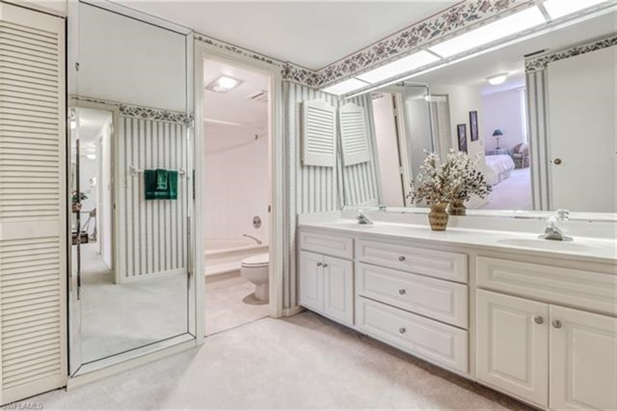Real Estate Photography - 3115 Gulf Shore BLVD N 209S 3115, NAPLES, FL, 34103 - Location 20