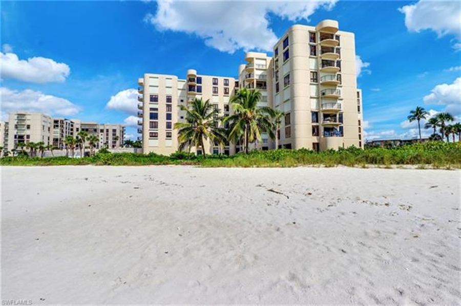 Real Estate Photography - 3115 Gulf Shore BLVD N 209S 3115, NAPLES, FL, 34103 - Location 30