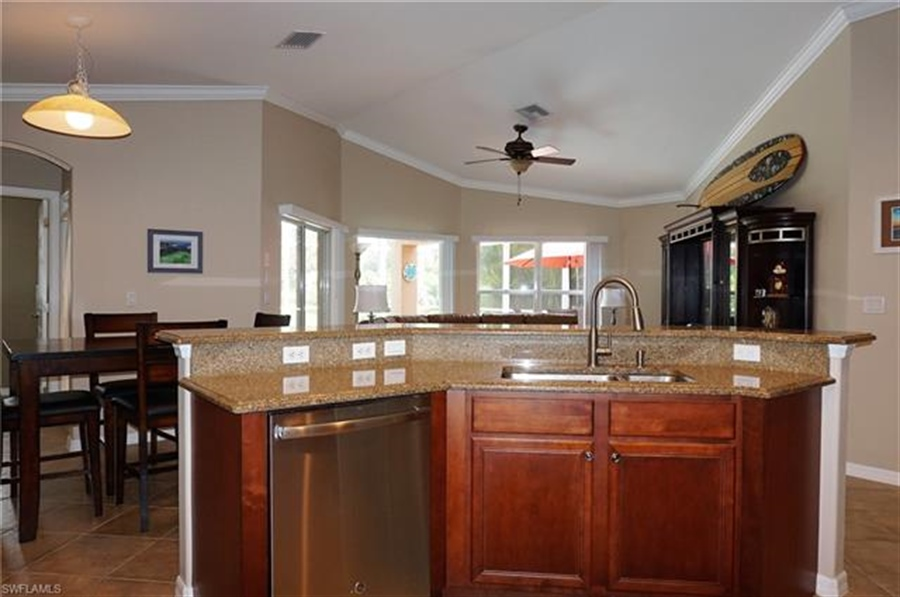 Real Estate Photography - 9110 Astonia Way, # 9110, Fort Myers, FL, 33967 - Location 11