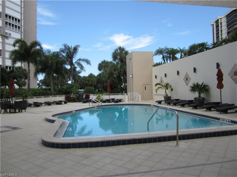 Real Estate Photography - 4451 Gulf Shore BLVD N 1105 4451, NAPLES, FL, 34103 - Location 8