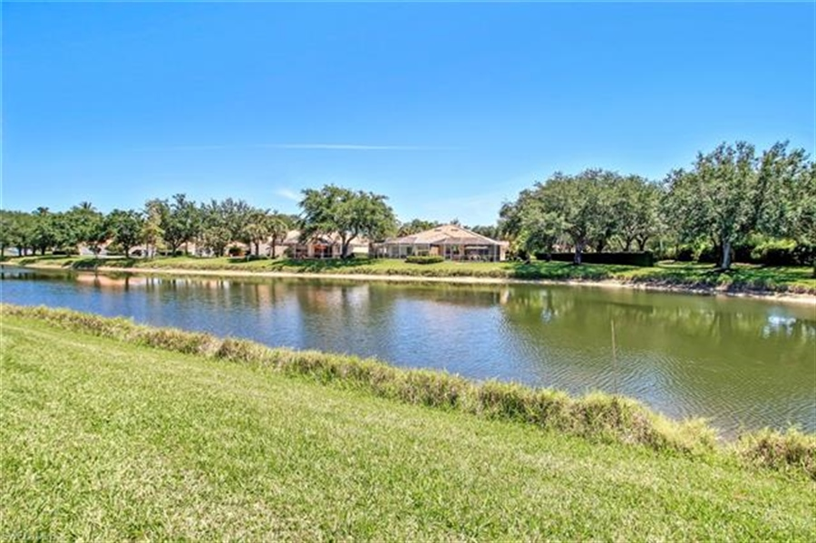 Real Estate Photography - 4426 Novato Ct, # 4426, Naples, FL, 34109 - Location 23