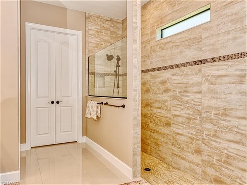Real Estate Photography - 7644 Winding Cypress DR 7644, NAPLES, FL, 34114 - Location 13