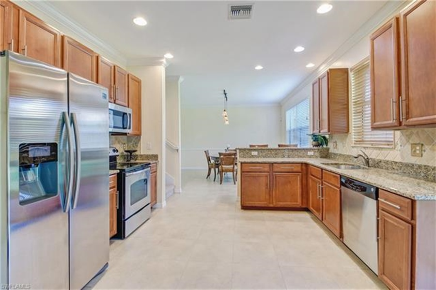 Real Estate Photography - 10007 Via San Marco Loop, # 10007, Fort Myers, FL, 33905 - Location 11