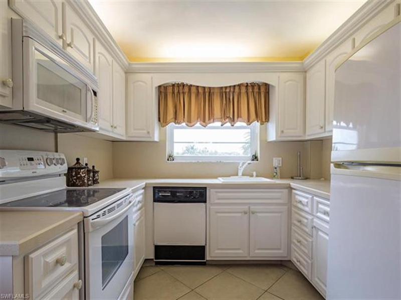 Real Estate Photography - 4372 27th CT SW 2-310 4372, NAPLES, FL, 34116 - Location 5