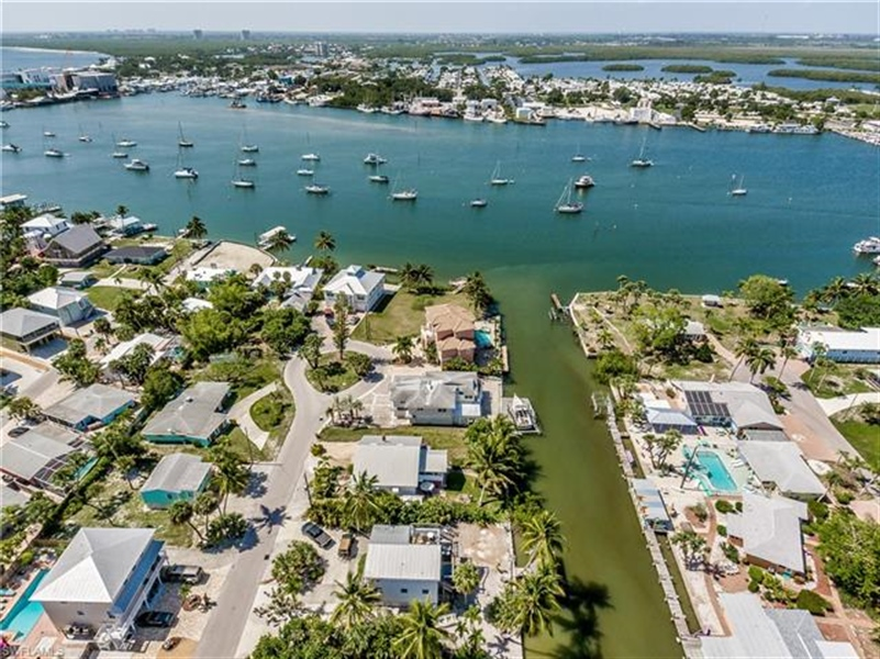 Real Estate Photography - 292 Ohio Ave, # 292, Fort Myers Beach, FL, 33931 - Location 3