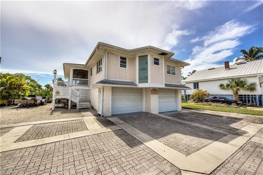 Real Estate Photography - 292 Ohio Ave, # 292, Fort Myers Beach, FL, 33931 - Location 8