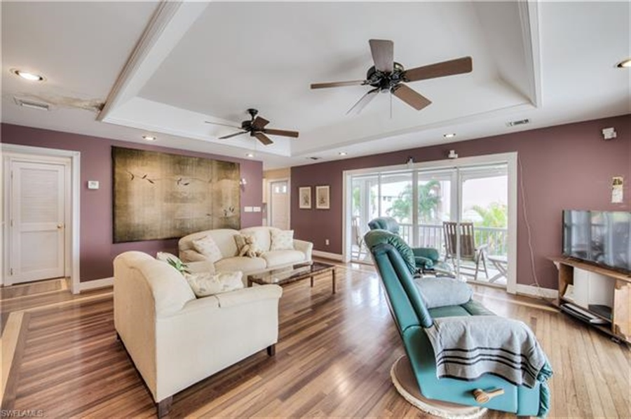 Real Estate Photography - 292 Ohio Ave, # 292, Fort Myers Beach, FL, 33931 - Location 9