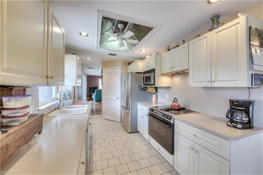 Real Estate Photography - 292 Ohio Ave, # 292, Fort Myers Beach, FL, 33931 - Location 20