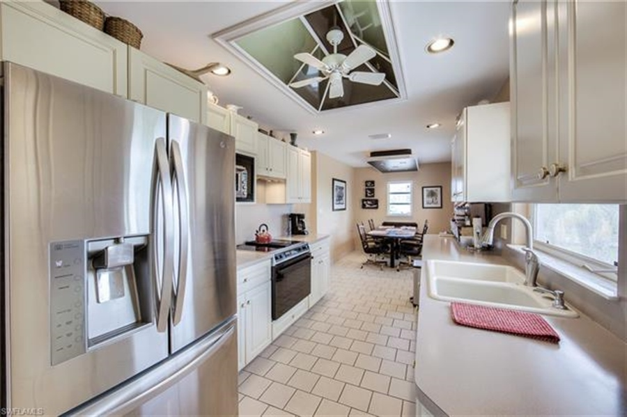 Real Estate Photography - 292 Ohio Ave, # 292, Fort Myers Beach, FL, 33931 - Location 21