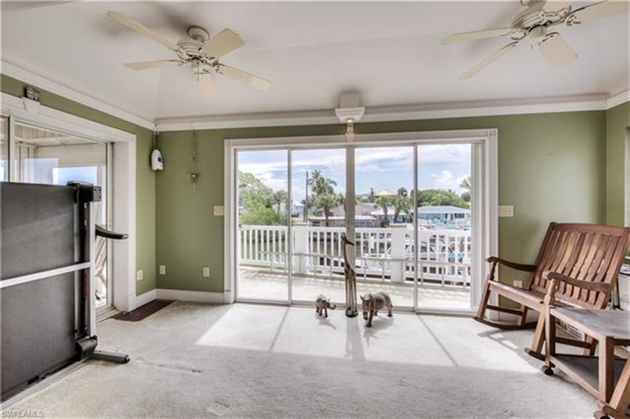 Real Estate Photography - 292 Ohio Ave, # 292, Fort Myers Beach, FL, 33931 - Location 23
