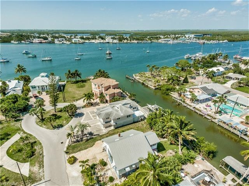 Real Estate Photography - 292 Ohio Ave, # 292, Fort Myers Beach, FL, 33931 - Location 26