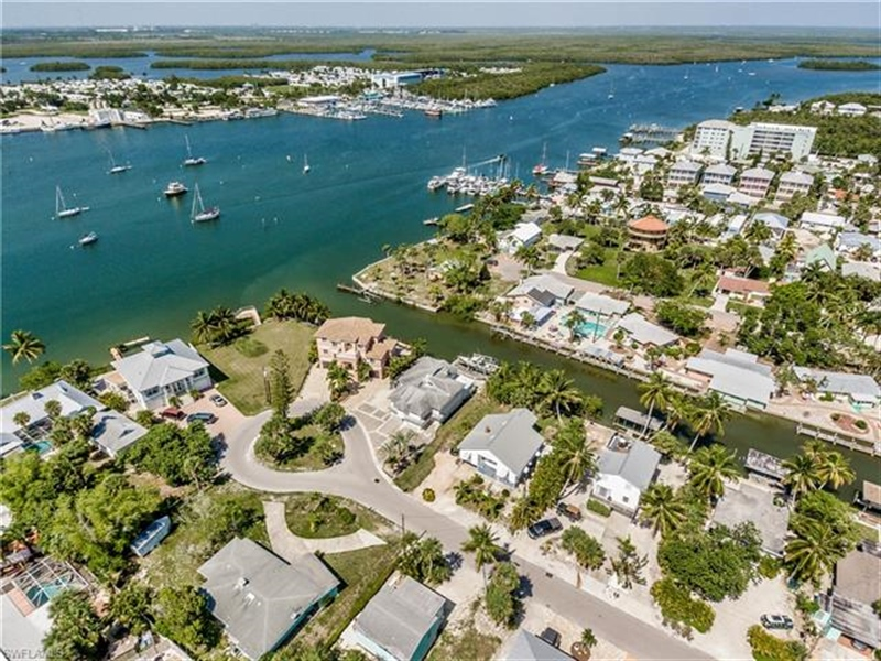 Real Estate Photography - 292 Ohio Ave, # 292, Fort Myers Beach, FL, 33931 - Location 27