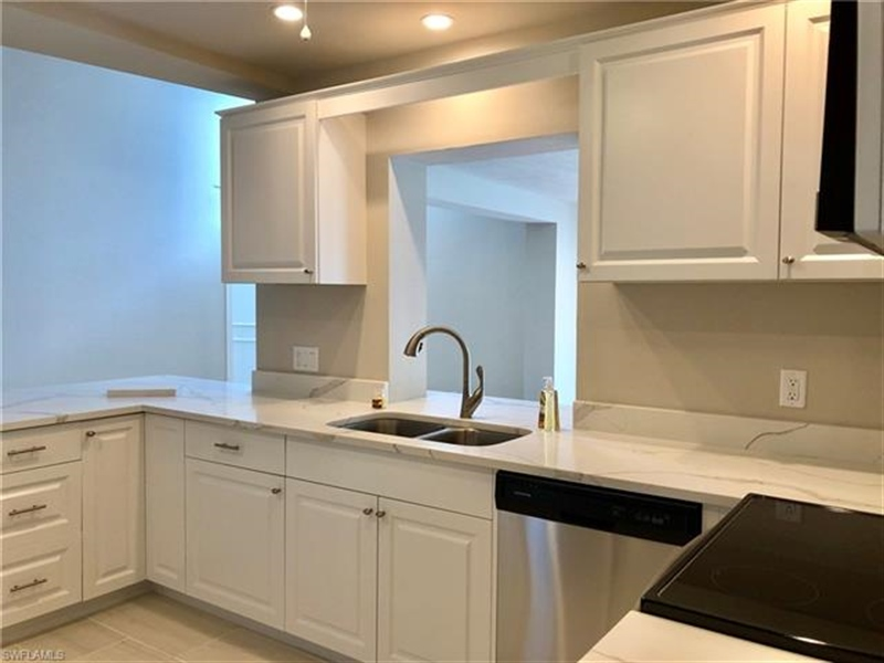 Real Estate Photography - 2107 SE 11th St, # 2107, Cape Coral, FL, 33990 - Location 4