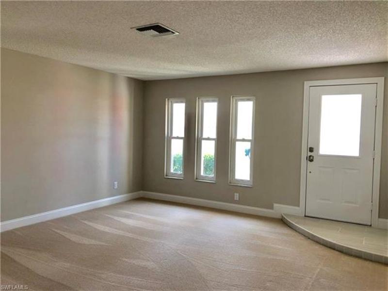 Real Estate Photography - 2107 SE 11th St, # 2107, Cape Coral, FL, 33990 - Location 8