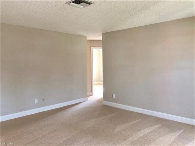 Real Estate Photography - 2107 SE 11th St, # 2107, Cape Coral, FL, 33990 - Location 9