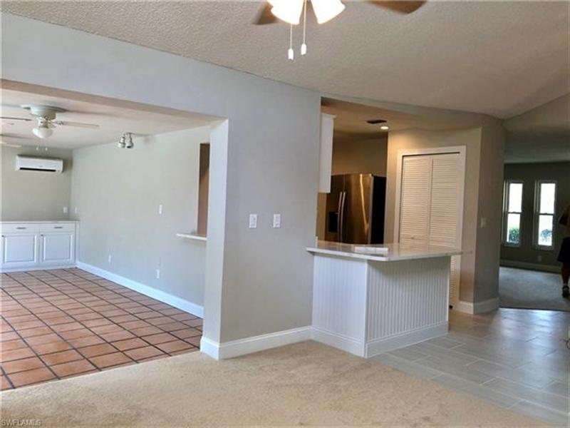 Real Estate Photography - 2107 SE 11th St, # 2107, Cape Coral, FL, 33990 - Location 10