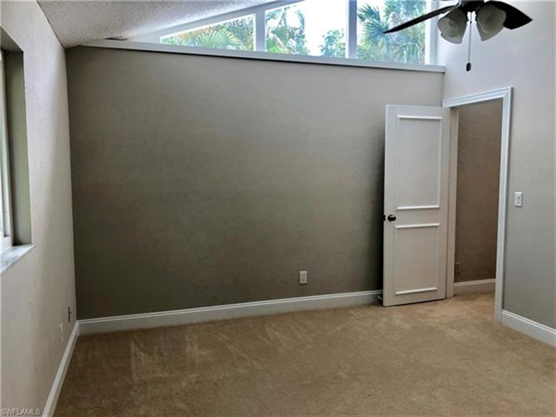 Real Estate Photography - 2107 SE 11th St, # 2107, Cape Coral, FL, 33990 - Location 13