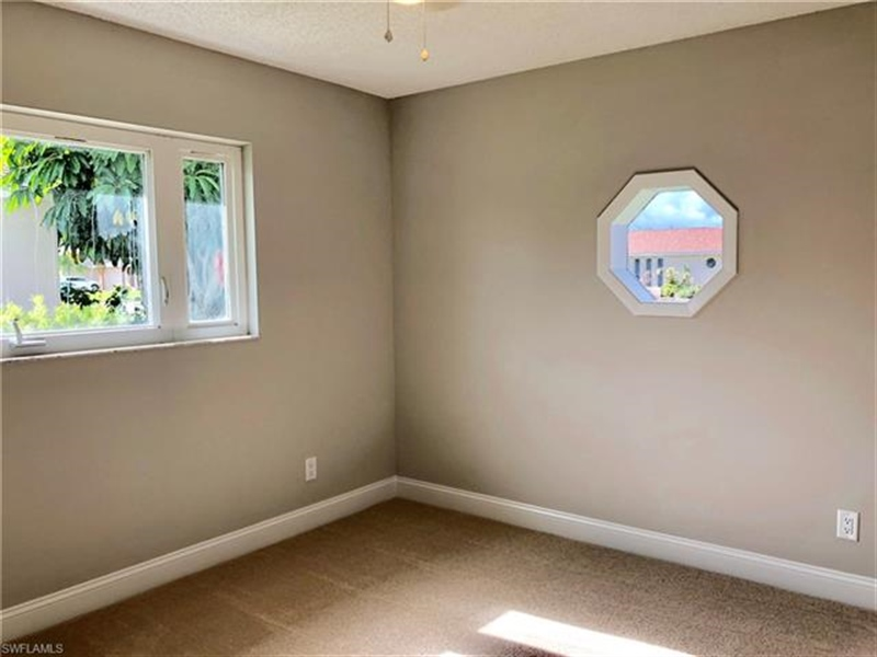 Real Estate Photography - 2107 SE 11th St, # 2107, Cape Coral, FL, 33990 - Location 16