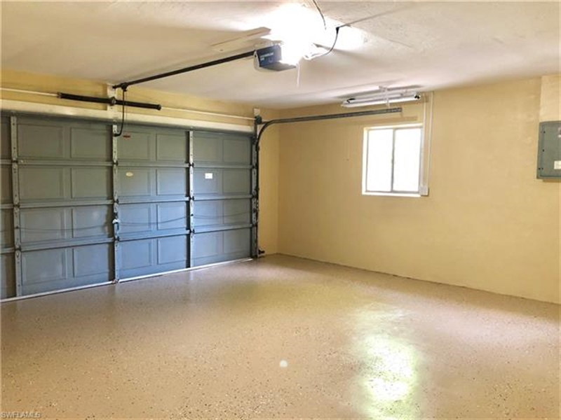 Real Estate Photography - 2107 SE 11th St, # 2107, Cape Coral, FL, 33990 - Location 22