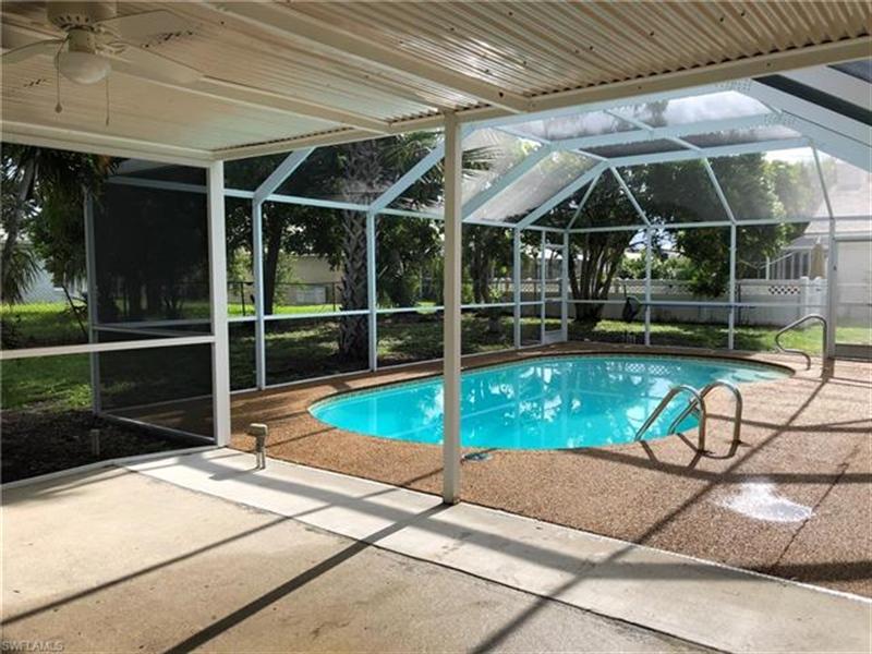 Real Estate Photography - 2107 SE 11th St, # 2107, Cape Coral, FL, 33990 - Location 25