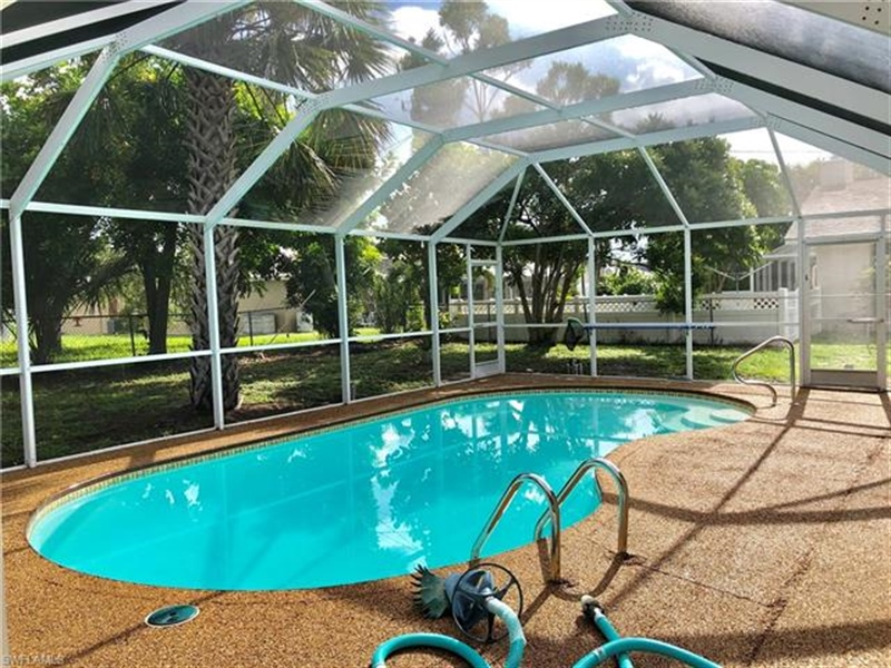 Real Estate Photography - 2107 SE 11th St, # 2107, Cape Coral, FL, 33990 - Location 28