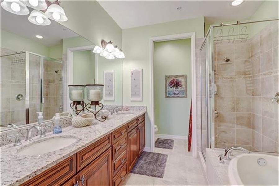 Real Estate Photography - 8989 Cambria CIR 1807 8989, NAPLES, FL, 34113 - Location 18