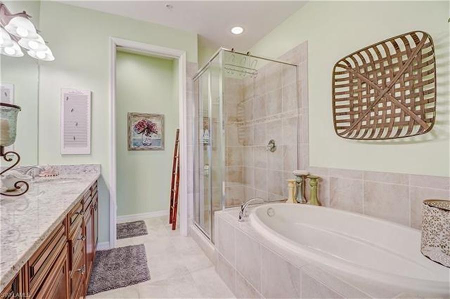 Real Estate Photography - 8989 Cambria CIR 1807 8989, NAPLES, FL, 34113 - Location 19