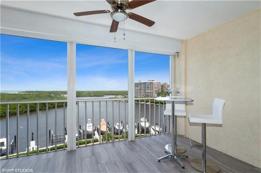 Real Estate Photography - 13105 Vanderbilt DR 707 13105, NAPLES, FL, 34110 - Location 2
