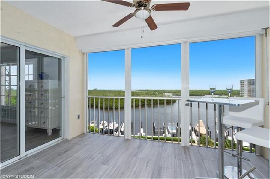 Real Estate Photography - 13105 Vanderbilt DR 707 13105, NAPLES, FL, 34110 - Location 3