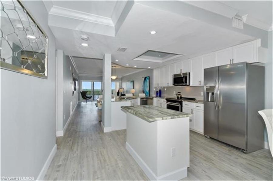 Real Estate Photography - 13105 Vanderbilt DR 707 13105, NAPLES, FL, 34110 - Location 5