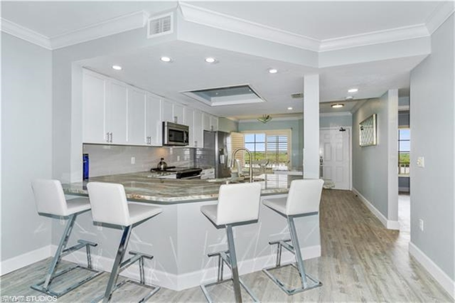 Real Estate Photography - 13105 Vanderbilt DR 707 13105, NAPLES, FL, 34110 - Location 6