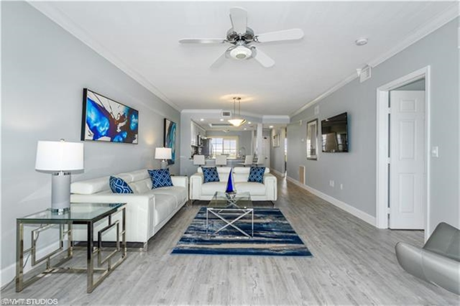 Real Estate Photography - 13105 Vanderbilt DR 707 13105, NAPLES, FL, 34110 - Location 9