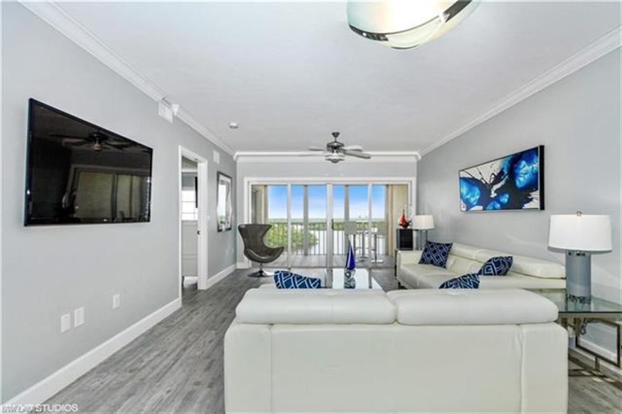 Real Estate Photography - 13105 Vanderbilt DR 707 13105, NAPLES, FL, 34110 - Location 10