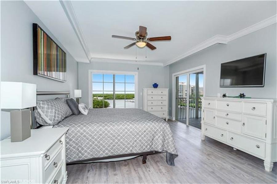 Real Estate Photography - 13105 Vanderbilt DR 707 13105, NAPLES, FL, 34110 - Location 12