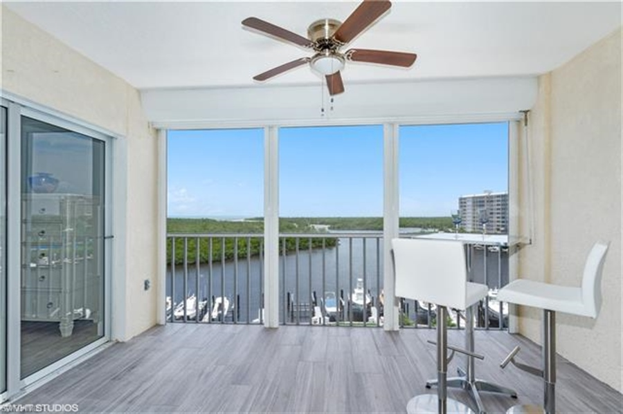 Real Estate Photography - 13105 Vanderbilt DR 707 13105, NAPLES, FL, 34110 - Location 14