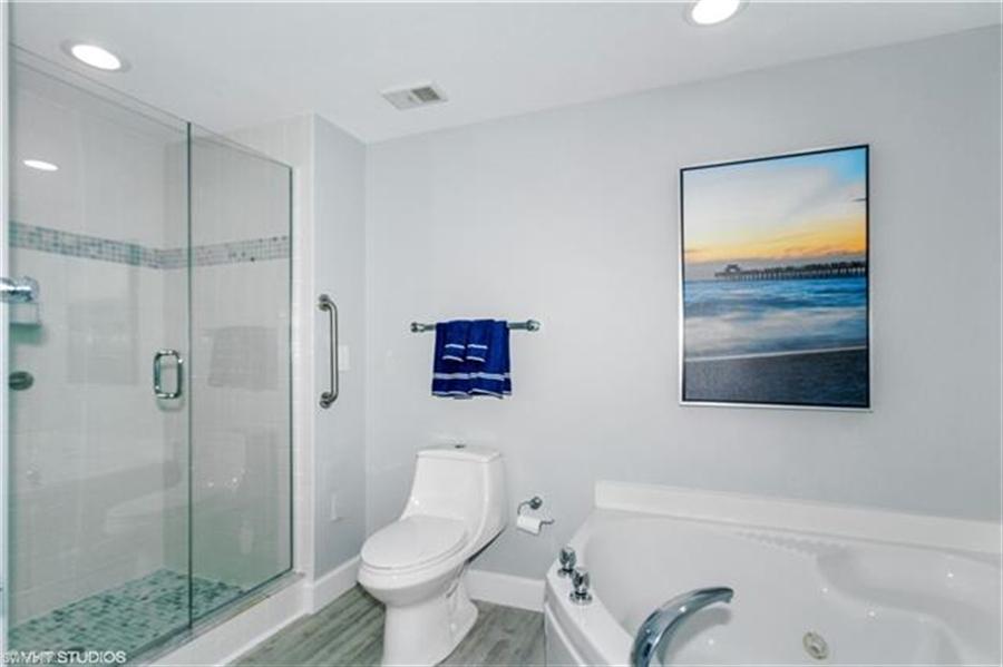 Real Estate Photography - 13105 Vanderbilt DR 707 13105, NAPLES, FL, 34110 - Location 18