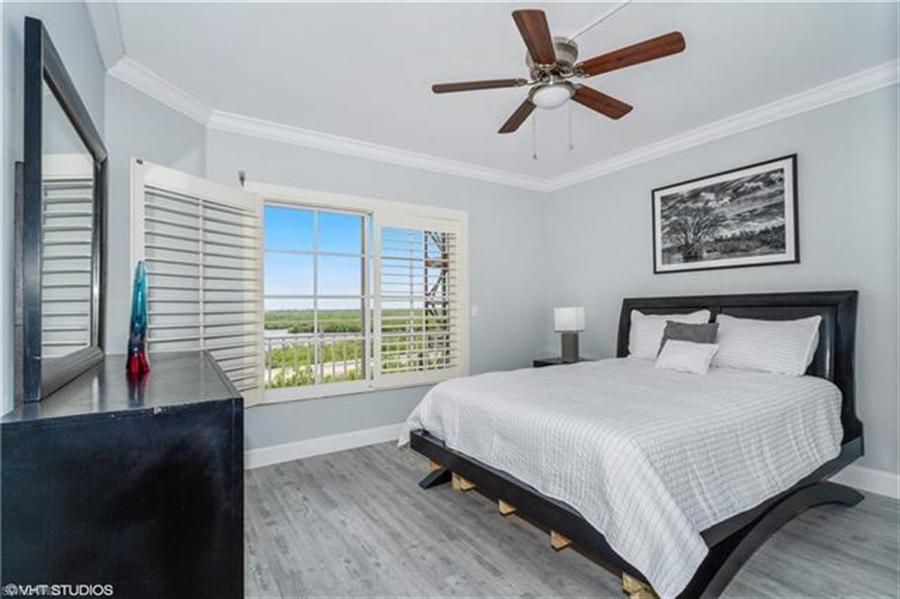 Real Estate Photography - 13105 Vanderbilt DR 707 13105, NAPLES, FL, 34110 - Location 19