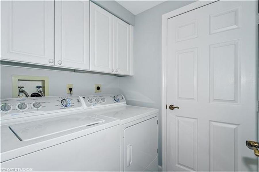 Real Estate Photography - 13105 Vanderbilt DR 707 13105, NAPLES, FL, 34110 - Location 23